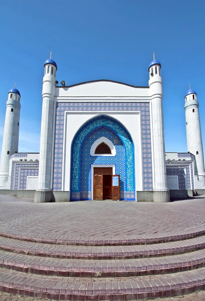 Blue Mosque, Atirau | Kazakhstan (by AgusValenz) (http://travelingcolors.net/post/37990305401/blue-mosque-atirau-kazakhstan-by-agusvalenz)