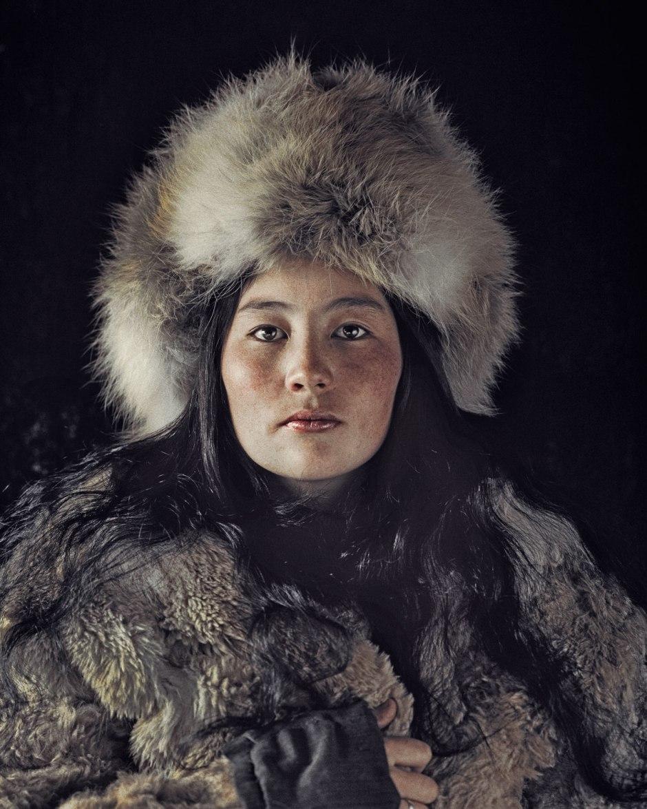 ULAANKHUS, BAYAN Olgii Hasta 1930, los nómadas podían moverse libremente entre Kazajstán, Mongolia y la provincia china de Xinjiang. Sin embargo, después thefounding del República Popular de Mongolia en 1924, muchos de themgave su estilo de vida seminómada y comenzaron a establecerse en las tierras altas de Mongolia occidental. Vía BeforeThey